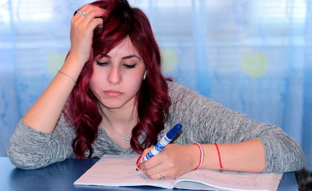 top elements to choose a reliable essay writing service 5 elements while choosing a reliable custom essay writing service